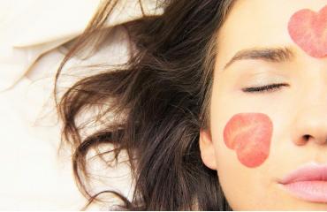 Cosmétiques au CBD : 10 bonnes raisons d'avoir une belle peau